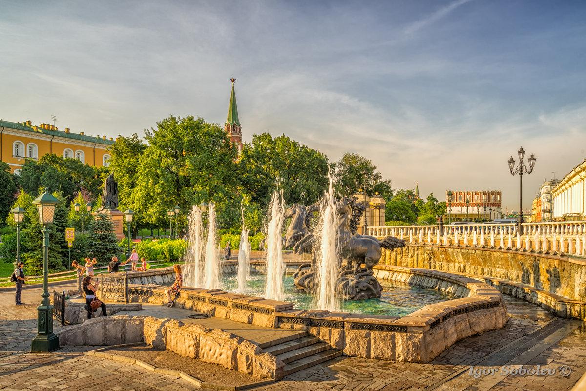 Фонтанный комплекс Александровского сада