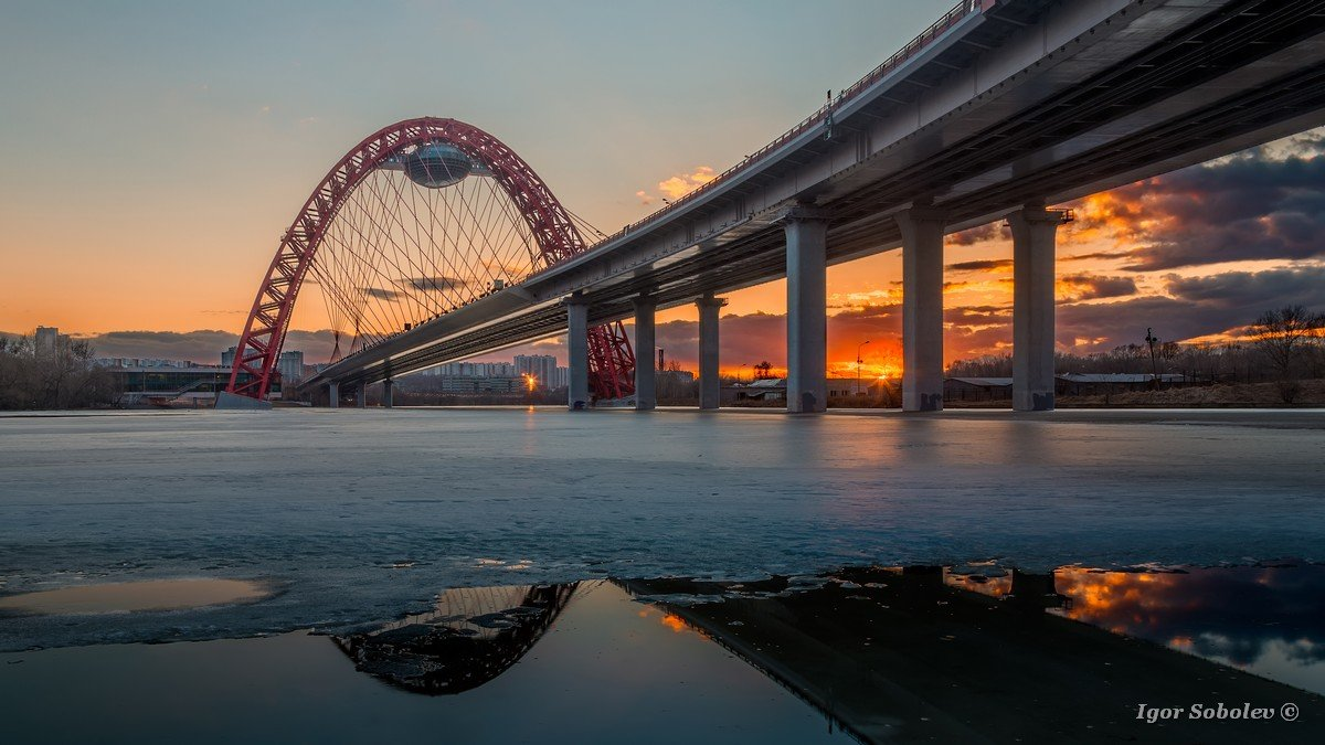 The picturesque bridge in Moscow in winter