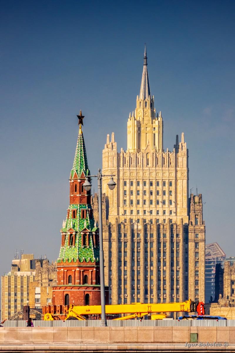 МИД и Кремль
