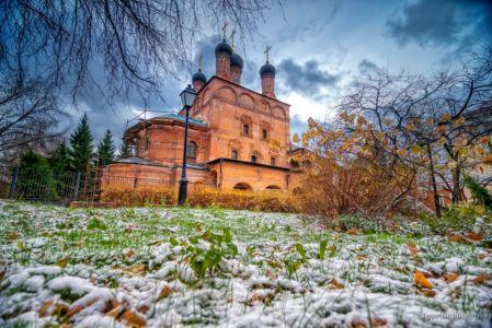 Krutitsky Compound, the first snow