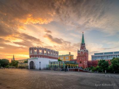 Кутафья и Троицкая башни