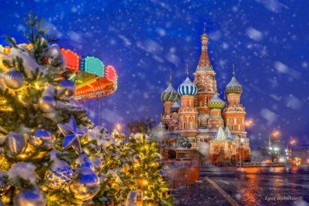 Снегопад у Собора Василия Блаженного