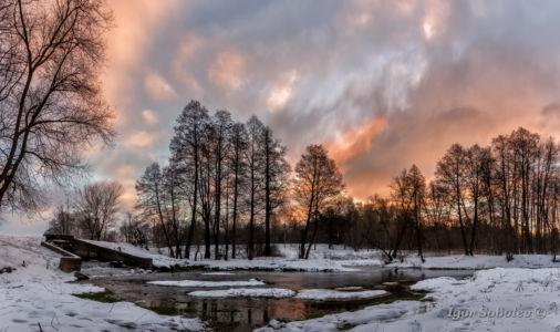 Colorful winter sunrise in Kuzminki