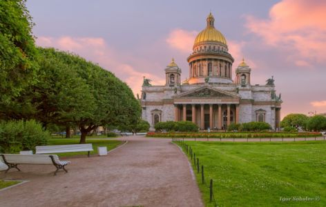 St. Isaac's Cathedral in St. Petersburg in the morning