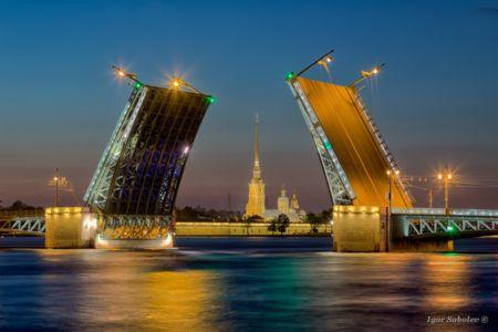Развод Дворцового моста / Palace Bridge Divorce