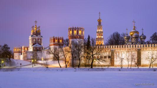 Зимний вечер у Новодевичьего монас