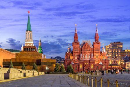 Мавзолей, Исторический музей, Никольская башня на Красной площади