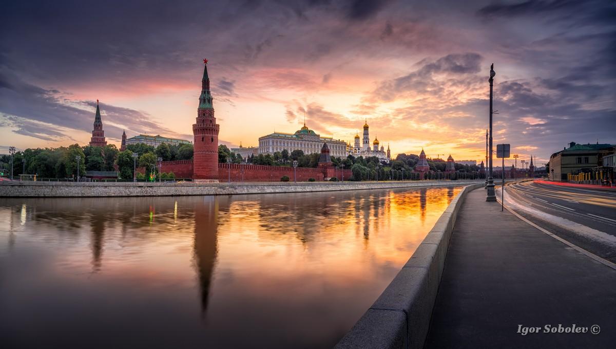 Московский кремль утром / Moscow Kremlin in the morning