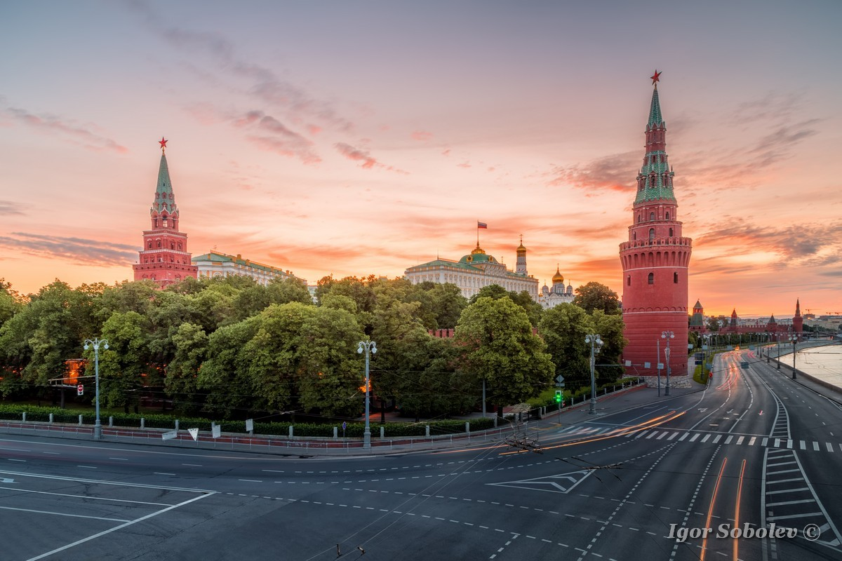 Водовзводная и Боровицкая башни / Vodovzvodnaya and Borovitskaya Tower